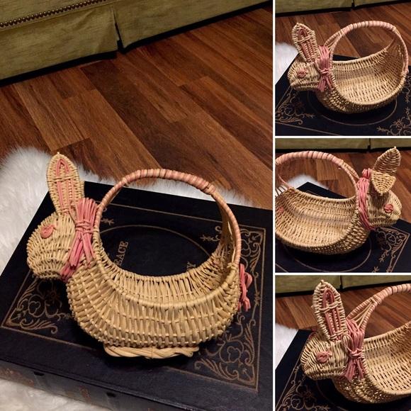 🦋2/$10 3/$15 4/$18 5/$20 Vintage Bunny Basket